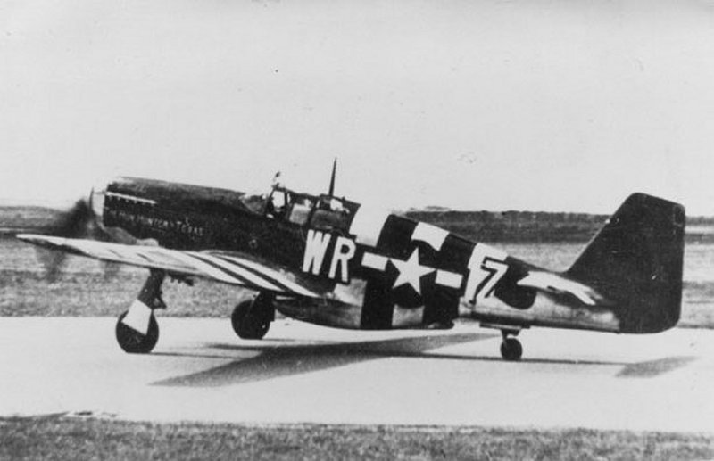 The actual P5-B Mustang photographed on D-Day (6th June) 1944 involved in the accident.