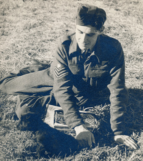 Flight Sergeant Roy Turner, RAF (with 'Bitsa')